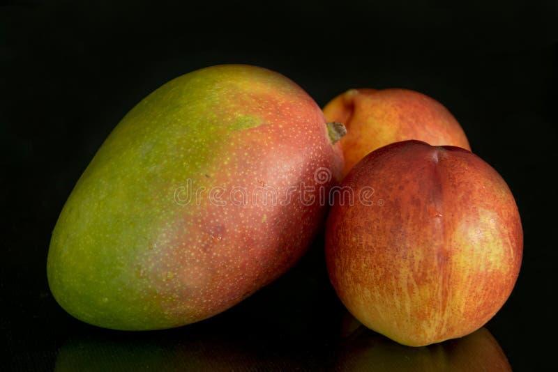Stilleven van vers fruit royalty-vrije stock foto's