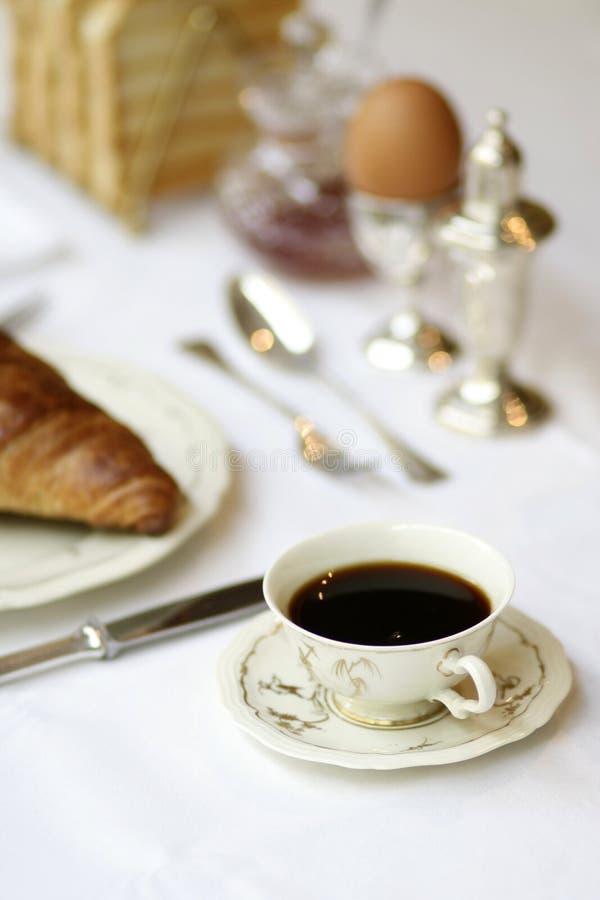 Stillife del desayuno con el plato antiguo foto de archivo libre de regalías