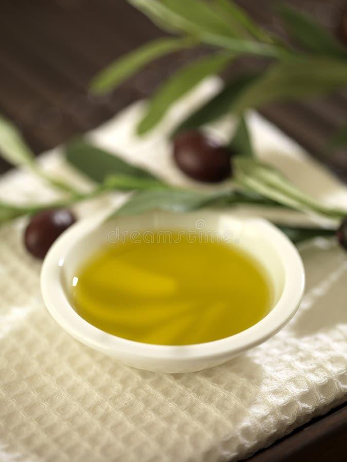 Stillleben des Olivenöls stockfotografie