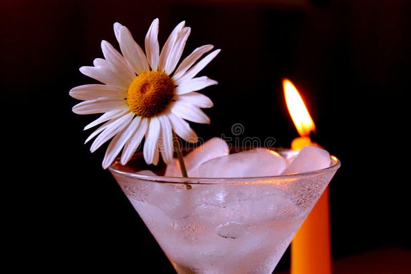 Stillleben mit einer Kerze lizenzfreie stockfotos
