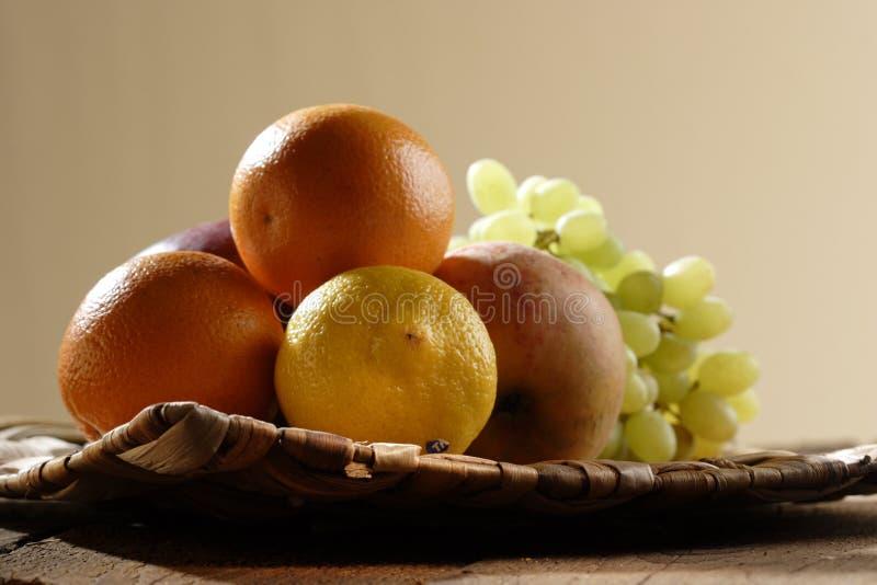 Stilllife avec des fruits photos stock