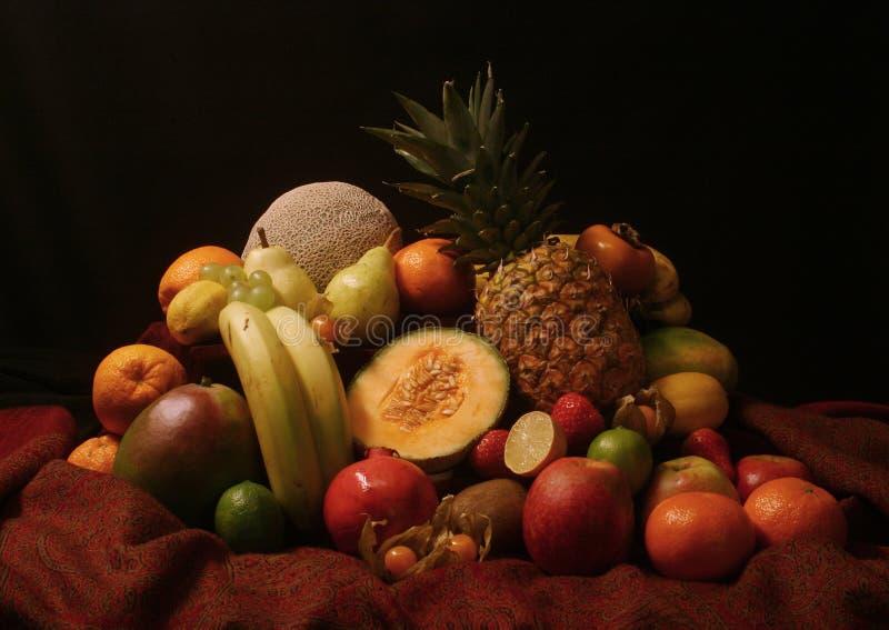 Download Stilllife Pitoresco Das Frutas Foto de Stock - Imagem de ingredientes, drapery: 530290