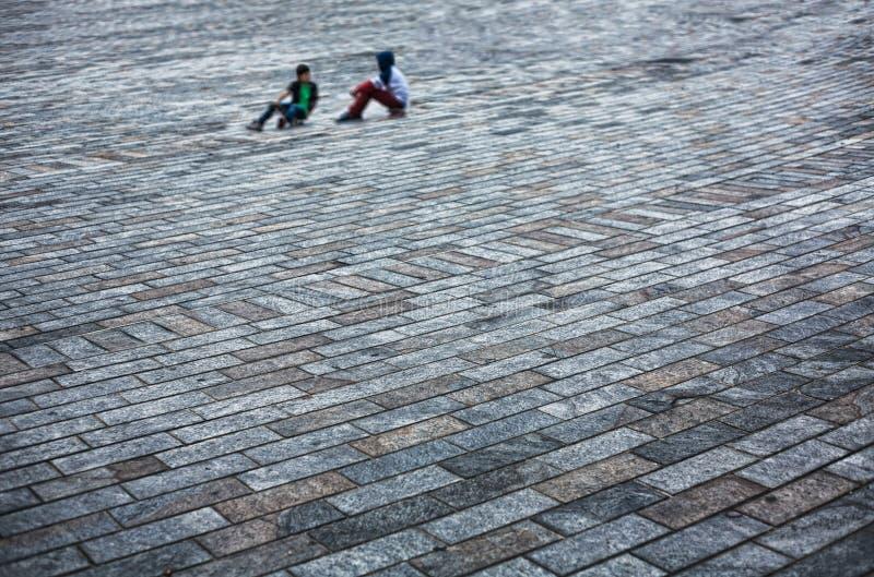 Stillstehen über Skateboards lizenzfreie stockfotografie