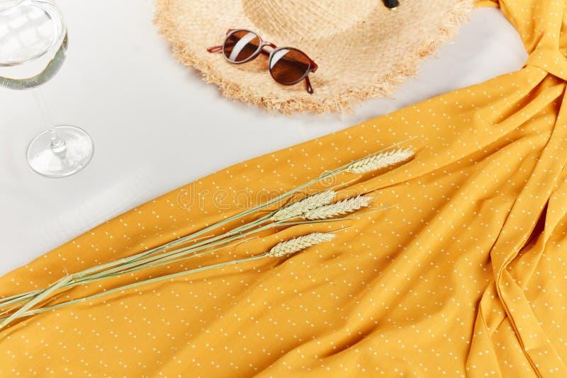 Stillstehende Zeit Schw?rzen Sie Freitag Verkauf von Sommerkleidung stockbilder