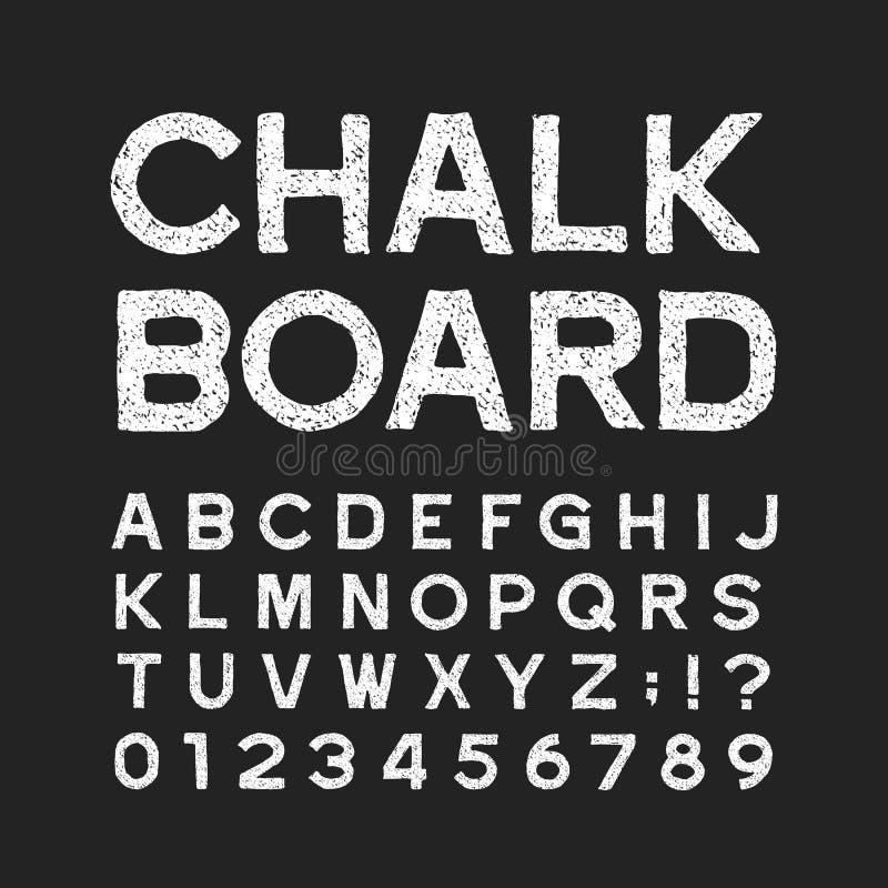 Stilsort för alfabet för kritabräde Bekymrade tappningbokstäver och nummer på en mörk bakgrund royaltyfri illustrationer