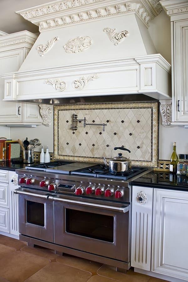 Stilvolle moderne Küche stockfotos