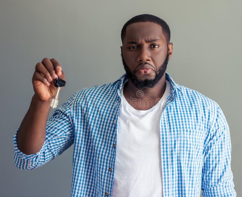 Stilvoller afroer-amerikanisch Geschäftsmann lizenzfreies stockfoto