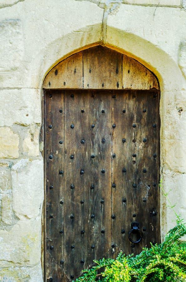 Stilvoller Eingang zu einem Wohngebäude, ein interessantes facad stockbild
