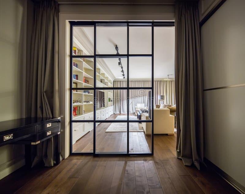 Stilvoller moderner Innenraum stockfotos