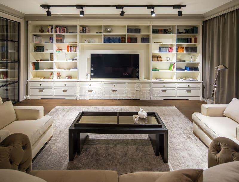 Stilvoller moderner Innenraum lizenzfreie stockbilder