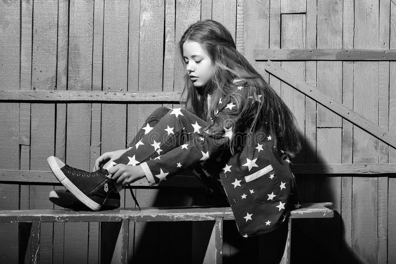 Stilvolles jugendlich Mädchen lizenzfreie stockfotos