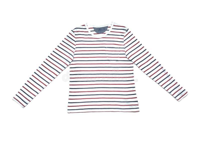 Stilvolles lang?rmliges T-Shirt auf wei?em Hintergrund lizenzfreie stockbilder