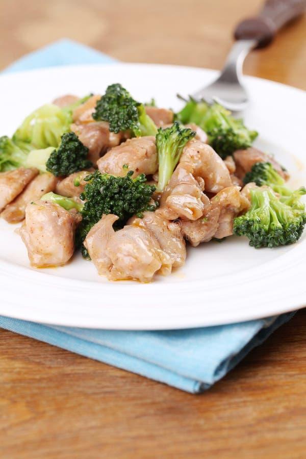 stir för broccolihönasmåfisk arkivbild