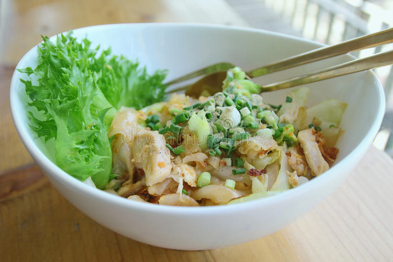 Stir-fried rice noodle with chicken. Thaifood stock photography
