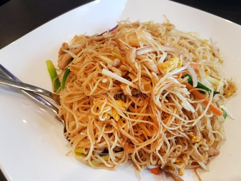 Stir Fry met rice Noodles stock afbeeldingen
