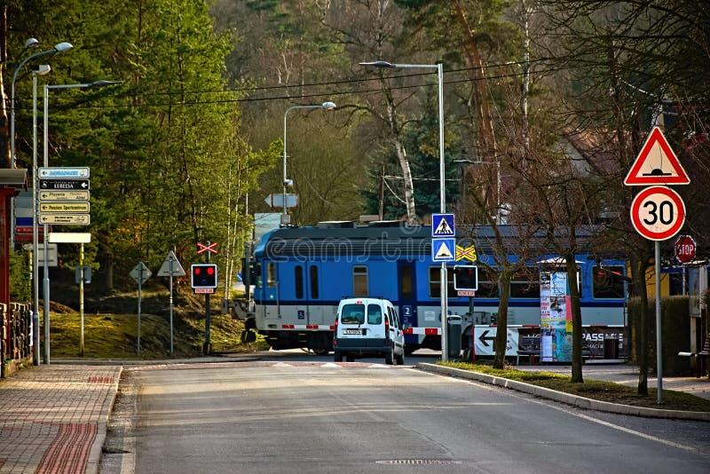 Stirrande Splavy, Tjeckien - mars 06, 2019: drev i by av den Machuv krajregionen royaltyfria bilder