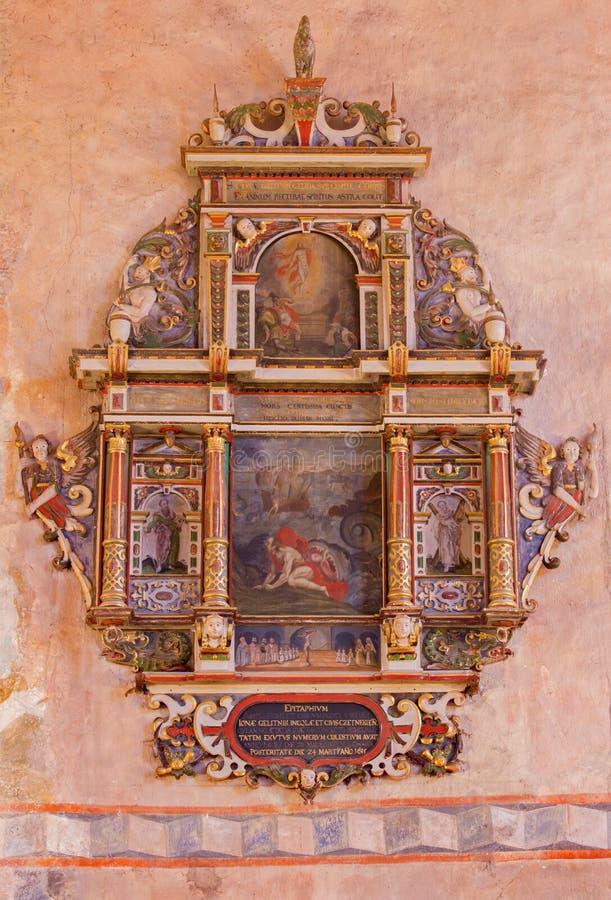Stitnik - Renaissance-barocker Epitaph vom Presbyterium der gotischen evangelischen Kirche in Stitnik mit dem Prophet Jonas monive lizenzfreie stockfotografie