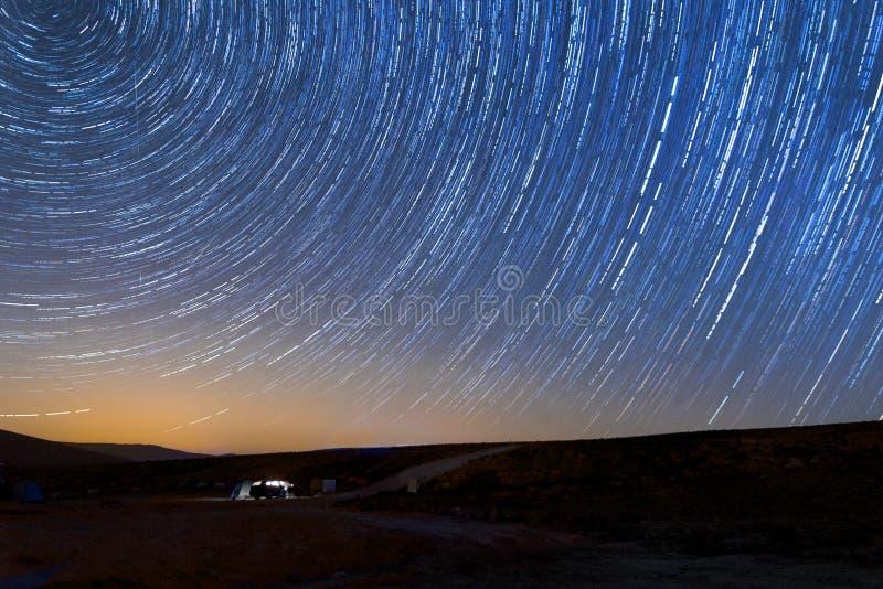 Stjärnaslingor i sydliga Israel på Mizpe Ramon royaltyfri bild