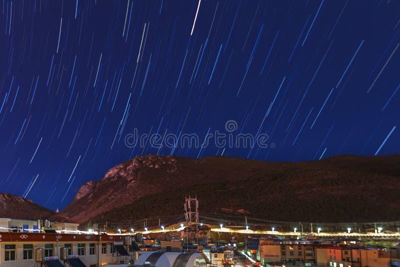 Stjärnklar himmel för platå royaltyfri fotografi