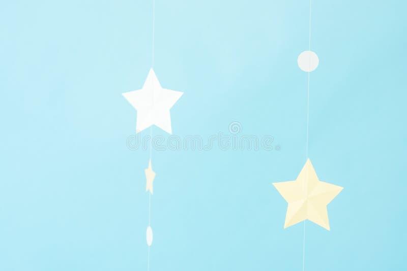 Stjärnor på en blå bakgrund, mjuk fokus, photophone, landskap royaltyfria bilder