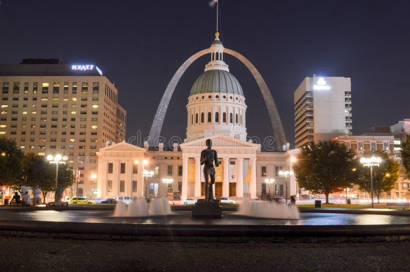 StLouis, Missouri - Etats-Unis - 6 septembre 2015 : Vieux tribunal historique la nuit photo stock