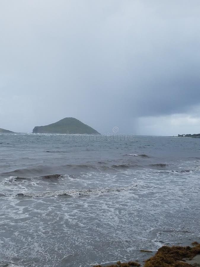 StLucia storm som kommer in i kust arkivbilder