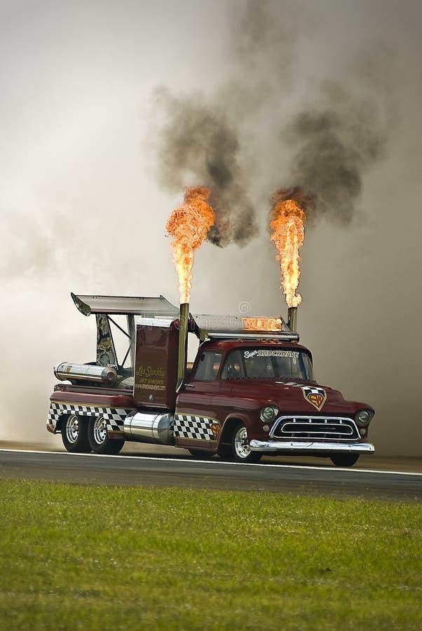 Stoßwelle-Flamme-LKW stockfotos