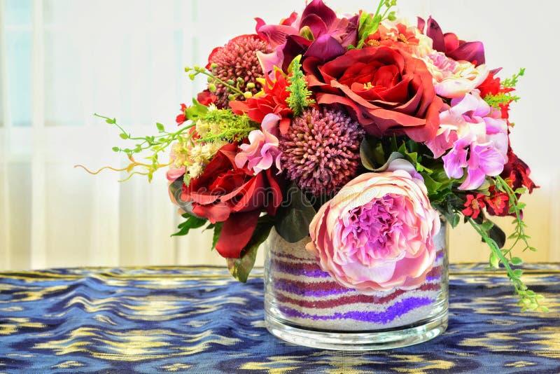 Stołów kwiaty fotografia stock