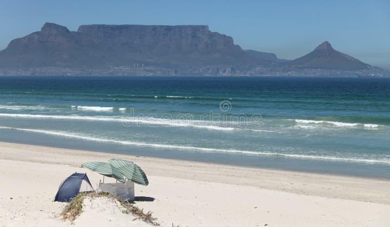 Stołowa góra, fotografująca od Bloubergstrand, Kapsztad, Południowa Afryka zdjęcia royalty free