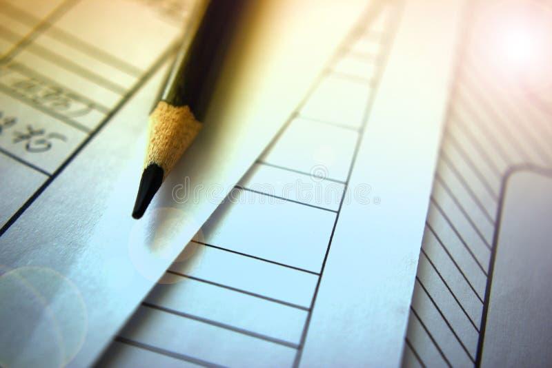 Stołowy numerowy ołówek w górę, pojęcie pracy analizy obliczenia oblicza bis obraz royalty free