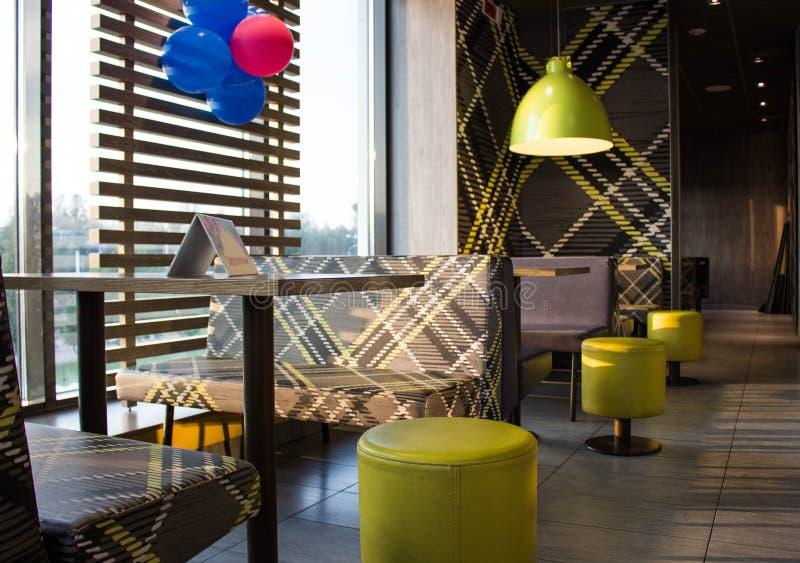 Stoły i krzesła Cukierniani zdjęcie royalty free