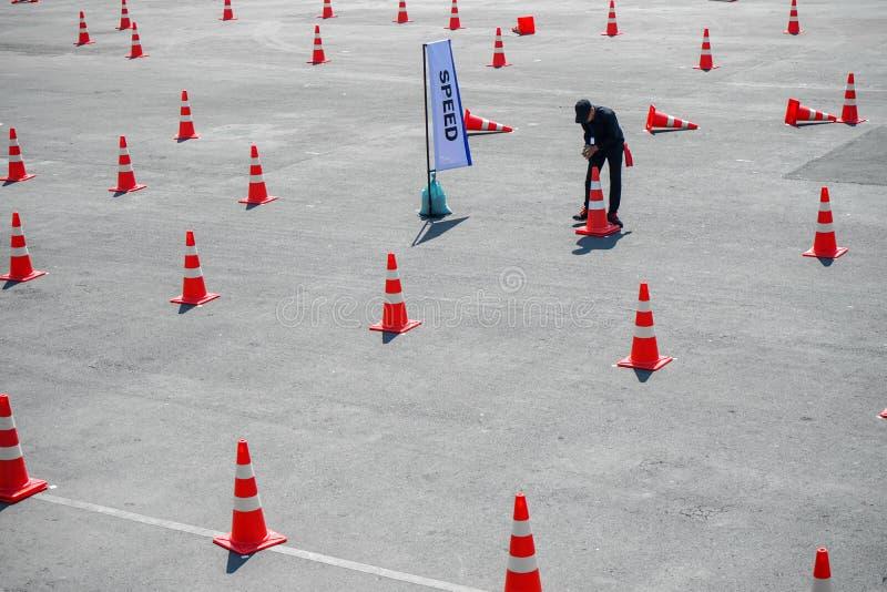 Stożek ruchu jest ustawiony na drodze TestDrive zdjęcie stock