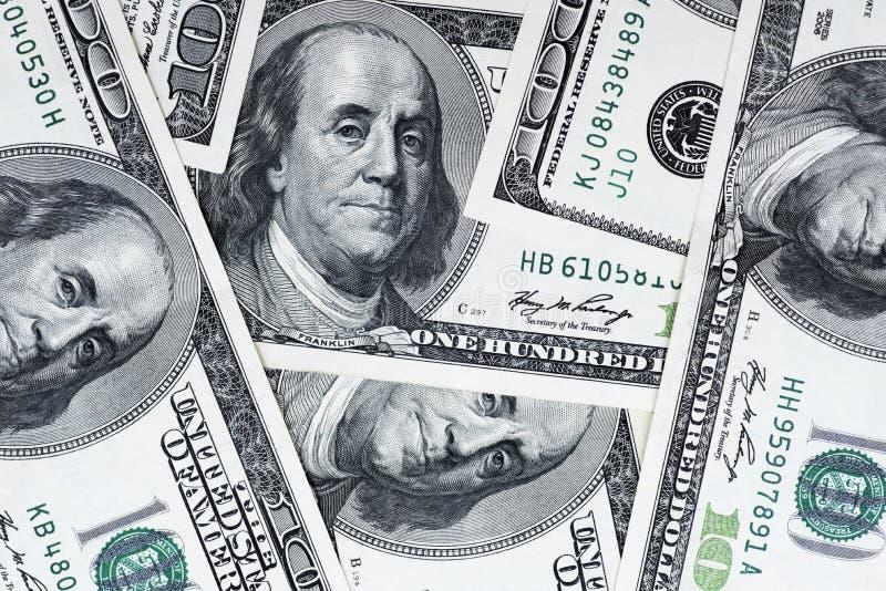 Sto dolarów wypiętrzają jako tło Gotówka sto dolarowych rachunków, dolarowy tło wizerunek z wysoka rozdzielczość obraz stock