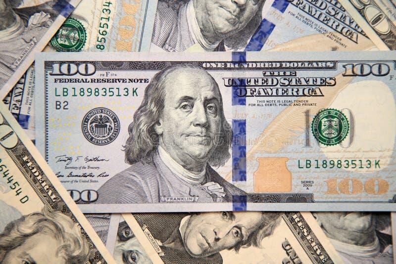 sto dolarowych rachunków z portretem Franklin obraz stock