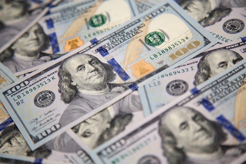 sto dolarowych rachunków z portretem Franklin zdjęcia royalty free