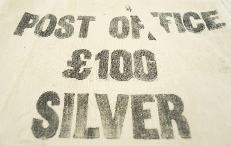 Sto funtów niezawodnego srebra drukującego na rocznika pieniądze torbie zdjęcia royalty free