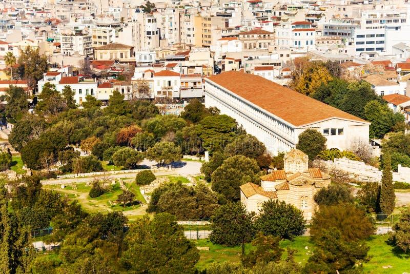 Stoa de Attalos com arquitetura da cidade em Atenas, Grécia foto de stock