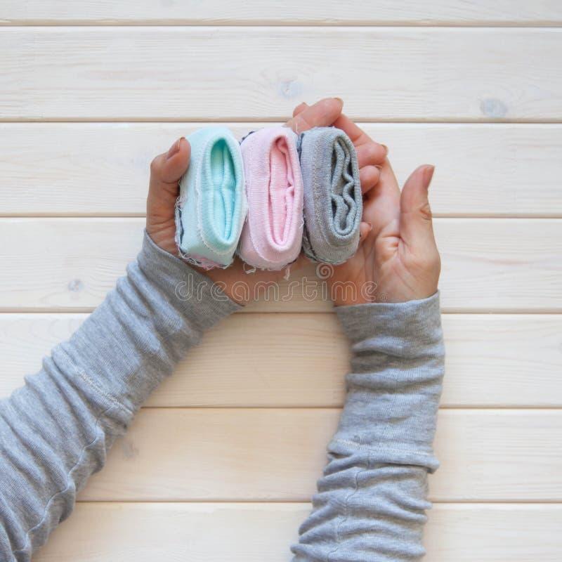 Stockage de vêtements Ordre dans le cabinet Chaussettes se pliantes Clas principal image stock