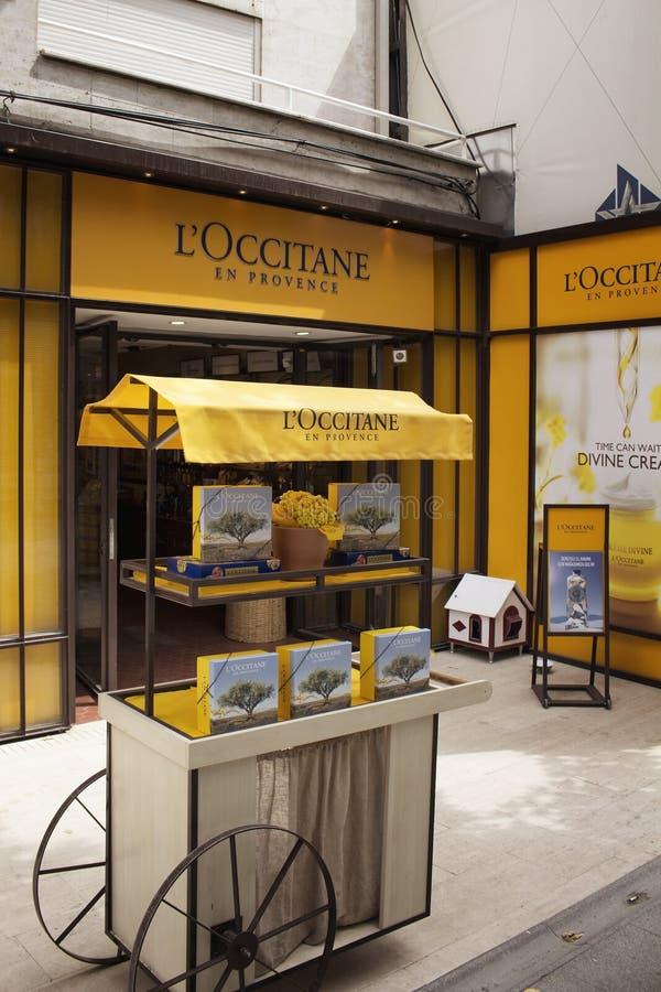 Stockez la vue du détaillant français international images stock