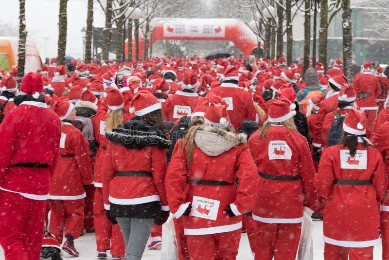 Stockholm Santa Run 2016 royaltyfri fotografi