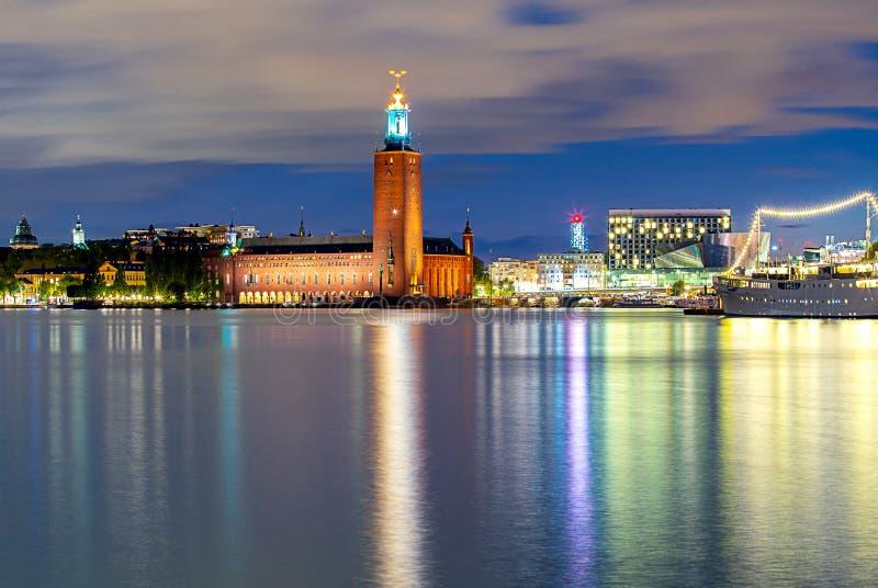 Stockholm Stadhuis op zonsondergang royalty-vrije stock afbeeldingen