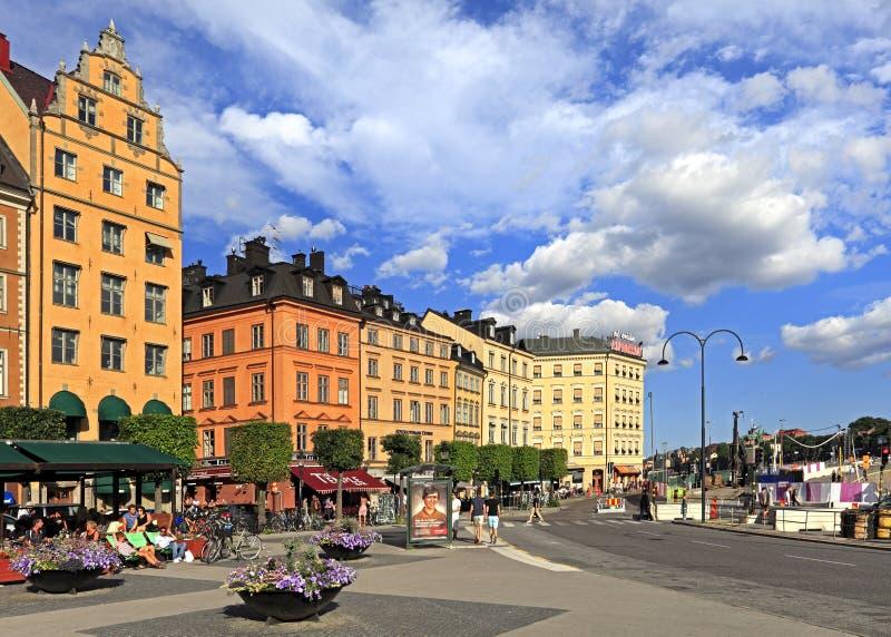 Stockholm Sverige - gammal stadfjärdedel - Kornhamnstorg gata i G arkivfoton