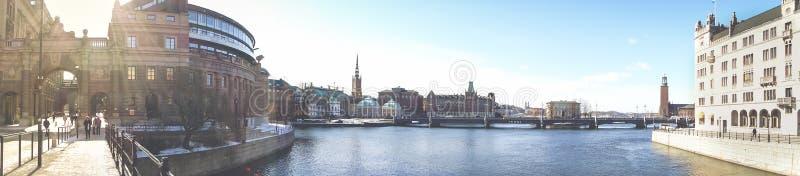 STOCKHOLM SVERIGE - 21 MARS, 2013 - panorama av den centrala delen av den Stockholm staden royaltyfria foton