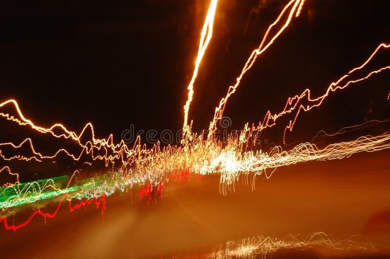 Stockphoto der durchgedrehten hellen Spuren stockfotos