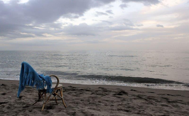 Stoel op het strand royalty-vrije stock foto
