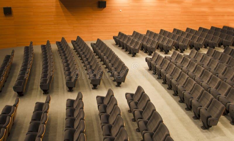 Stoelen van een auditorium royalty-vrije stock foto's