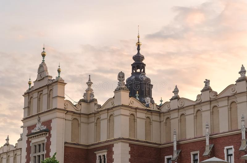 Stoff Hall (Sukiennice) in Krakau lizenzfreies stockbild