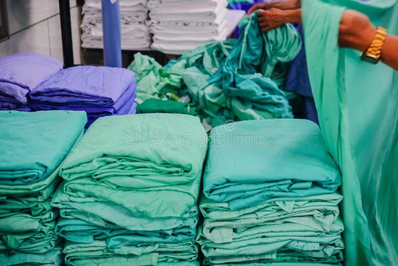 stoffen voor patiënten in het ziekenhuis stock afbeelding