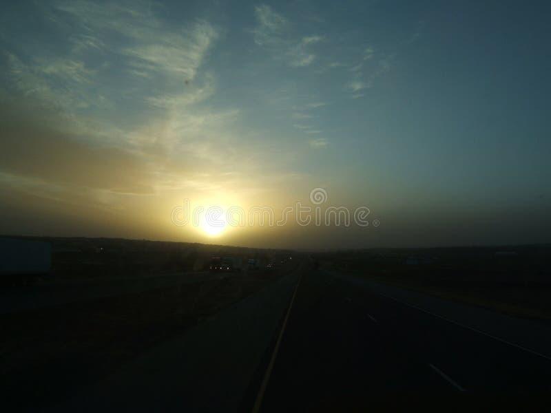 Stoffige zonsondergang royalty-vrije stock fotografie