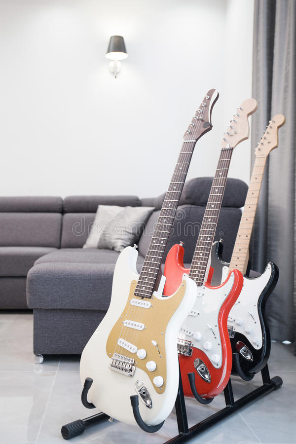 Stojak dla gitar zdjęcia royalty free